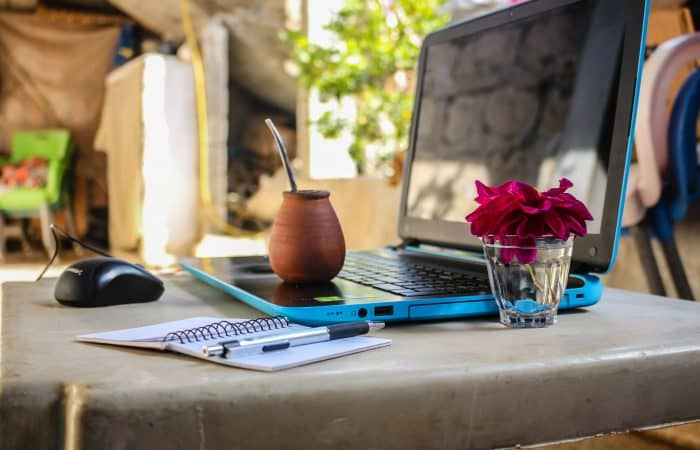 How to Become a Traveling Nomad and Run a Successful Digital Business
